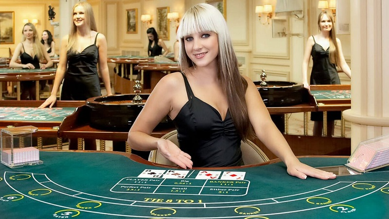 Live Dealers Make Internet Casino Gambling More Thrilling